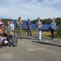 Mitglieder des Ortsvereins bei der Besichtigung der Photovoltaikanlage