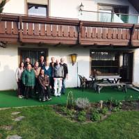 Die Betreiber des Pflegedienstes Äakos und Mitglieder des SPD-Ortsvereins Hemau